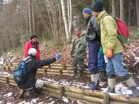 市民会議および森林保全チームの会員を対象とした現地見学会の様子